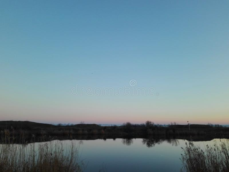 Download Krajobraz zdjęcie stock. Obraz złożonej z jezioro, wiejski - 106908076
