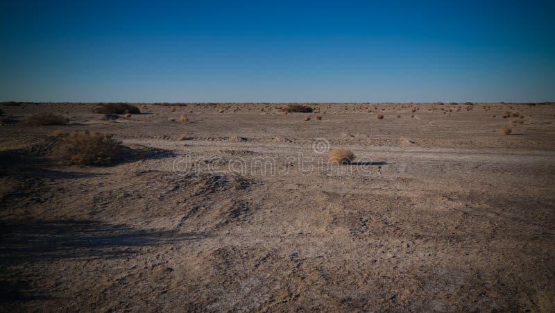 Krajobraz aralkum Aralcum pustynia jako łóżko poprzedni Aral morze, Uzbekistan zdjęcie stock