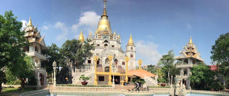 Krajobraz Buu Długa Buddyjska świątynia zdjęcia royalty free