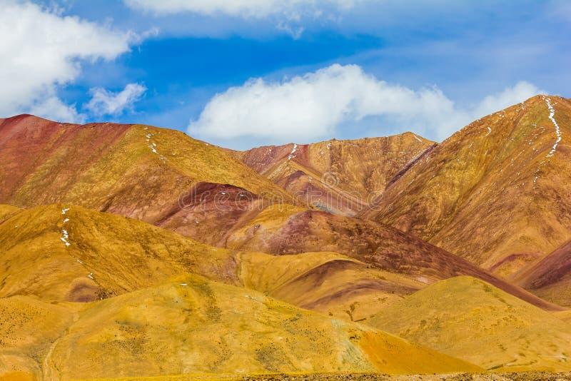 Krajobraz g?ra na Qinghai plateau, Chiny fotografia stock