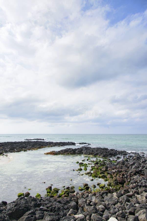 Download Krajobraz Gwakji wybrzeże obraz stock. Obraz złożonej z volcanoes - 53787407