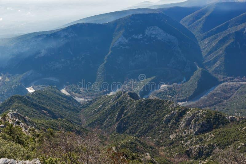 Krajobraz Nestos Rzeczny wąwóz blisko miasteczka Xanthi, Grecja zdjęcia stock