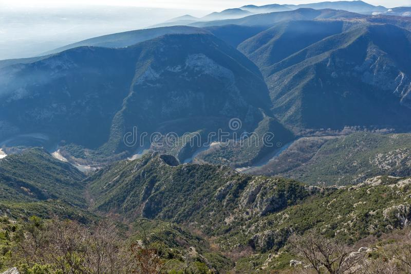 Krajobraz Nestos Rzeczny wąwóz blisko miasteczka Xanthi, Grecja zdjęcia royalty free