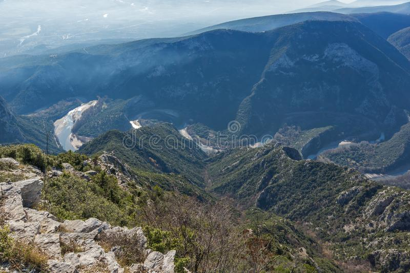 Krajobraz Nestos Rzeczny wąwóz blisko miasteczka Xanthi, Wschodni Macedonia i Thrace, Grecja zdjęcia stock