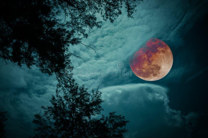 Krajobraz niebo z bloodmoon przy nocą Spokój natury backgr obrazy royalty free