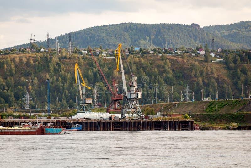 Krajobraz ogromna przemysłowa budowa zdjęcie stock