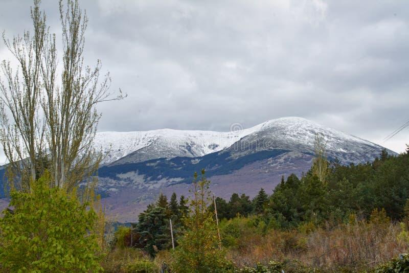 Krajobraz północna twarz Moncayo góra w Aragon, Hiszpania obraz stock
