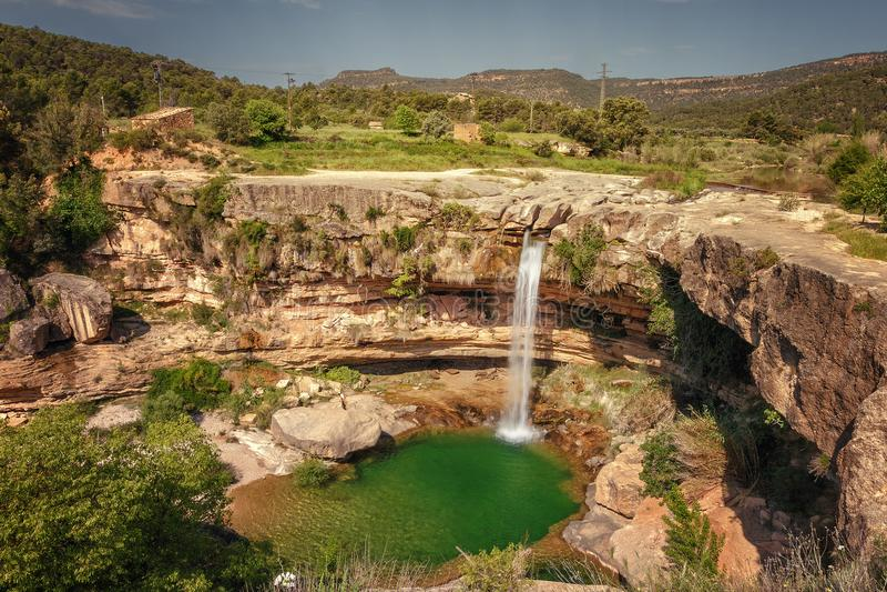 Krajobraz Portellada siklawa od Tastavins rzeki, zdjęcia stock