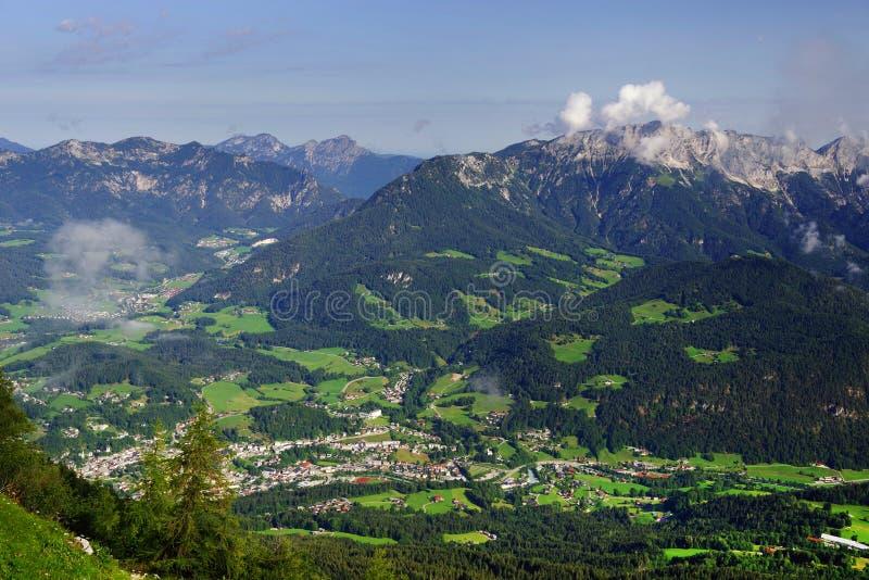 Krajobraz powietrzny maÅ'ej wioski w Berchtesgadener Land, Bawaria, Niemcy zdjęcia royalty free