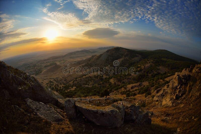 Krajobraz przy zmierzchem, wschodem słońca/ zdjęcia royalty free