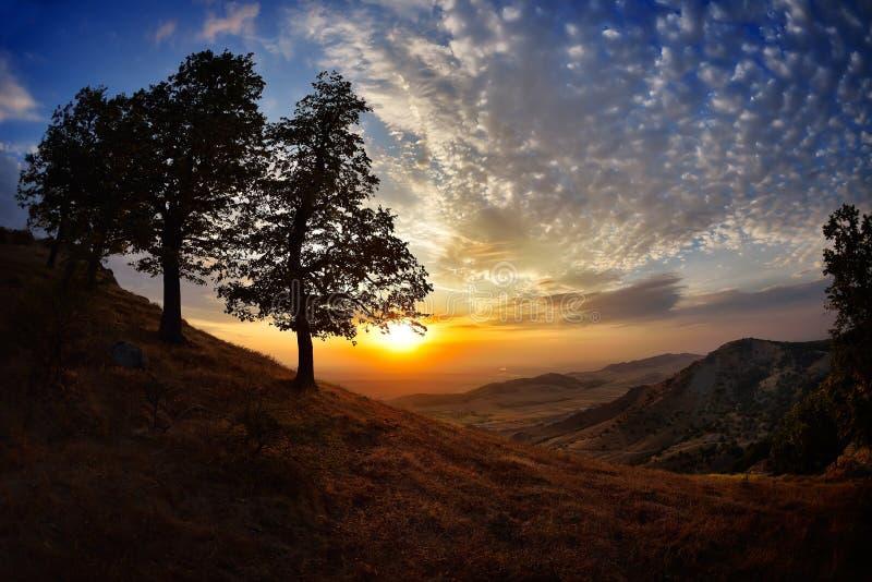 Krajobraz przy zmierzchem, wschodem słońca w lecie/, Dobrogea, Rumunia zdjęcia stock
