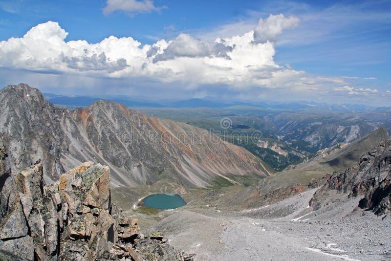 Krajobraz Sayan góry blisko mongoł granicy pho, obrazy stock
