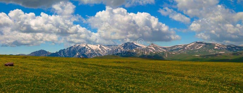 Krajobraz Selim przepustka na drodze Sevan jezioro, Armenia fotografia stock