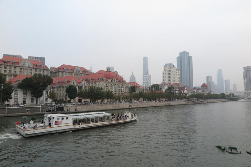 Krajobraz Tianjin miasto Haihe rzeką zdjęcia stock