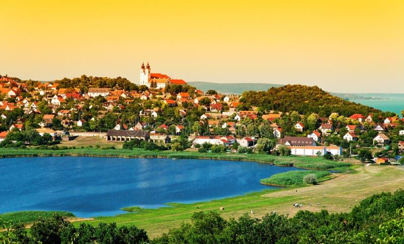 Krajobraz Tihany przy wewnętrznym jeziorem zdjęcia stock