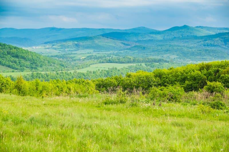 Krajobraz w Carpathians w wiośnie fotografia royalty free