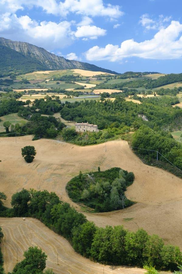 Krajobraz w Montefeltro od Frontino marszów, Włochy fotografia stock