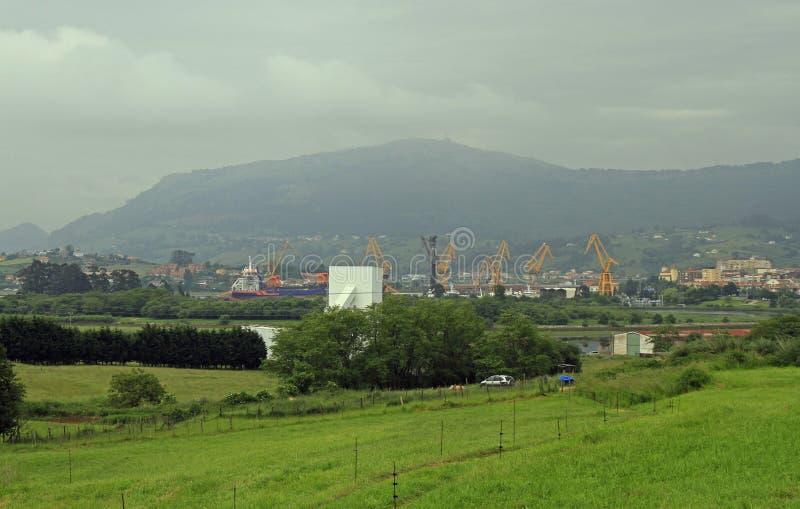 Krajobraz w obrzeżach Santander miasto zdjęcia royalty free