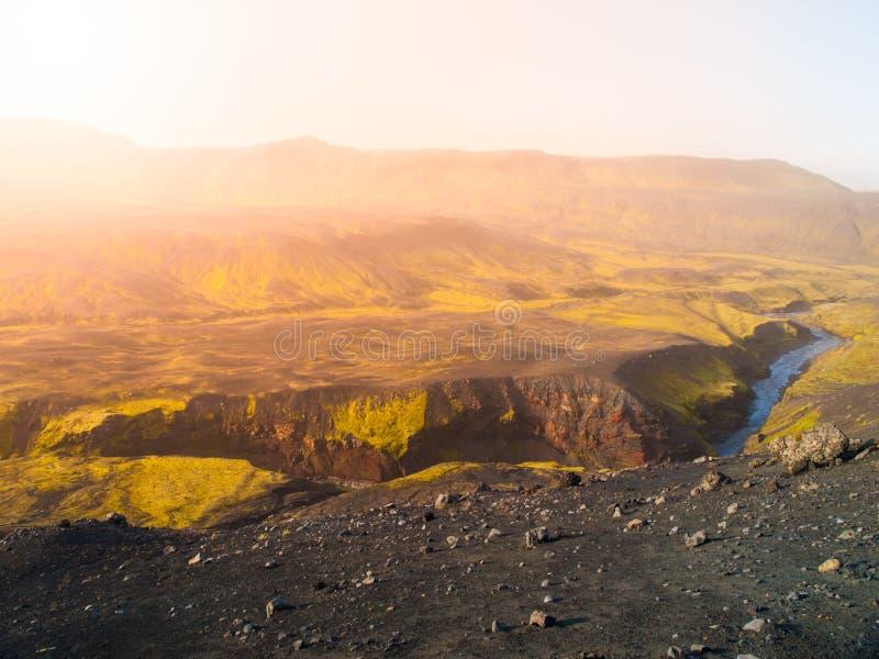 Krajobraz wokoło Markarfljotsgljufur wąwozu z dziką Markarfljot rzeką Część Laugavegur ślad, Iceland zdjęcia royalty free