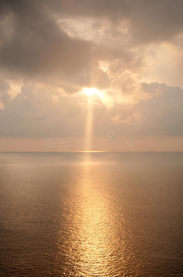 Krajobraz wschód słońca nad morzem obraz royalty free
