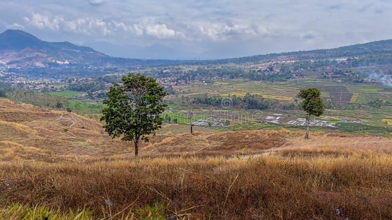 Krajobraz wzgórz w Bandung West Java, Indonezja obrazy royalty free