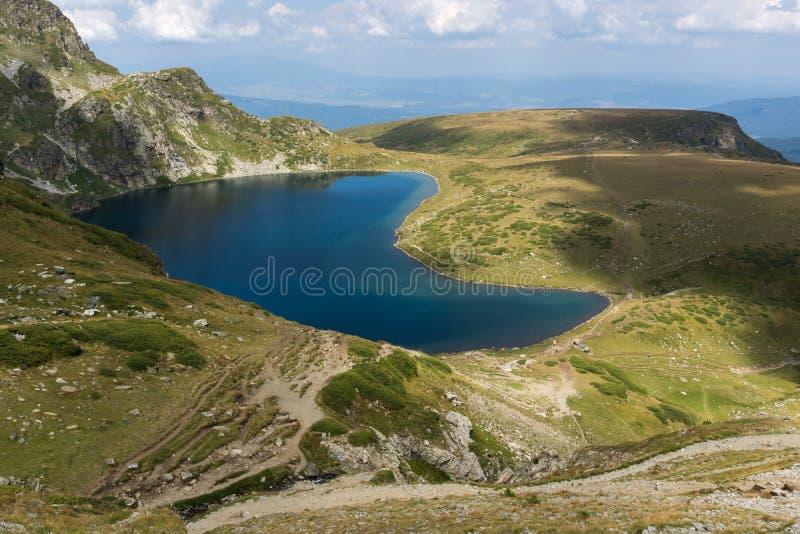 Krajobraz z Cynaderki jeziorem przy Siedem Rila jeziorami, Rila góra, Bułgaria zdjęcia royalty free