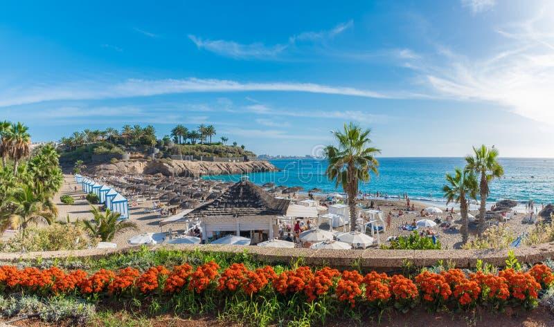 Krajobraz z El Duque plażą przy Costa Adeje wyspa kanaryjska Spain Tenerife zdjęcia stock