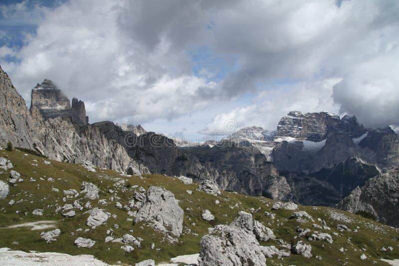 Krajobraz z górą, Włochy fotografia royalty free