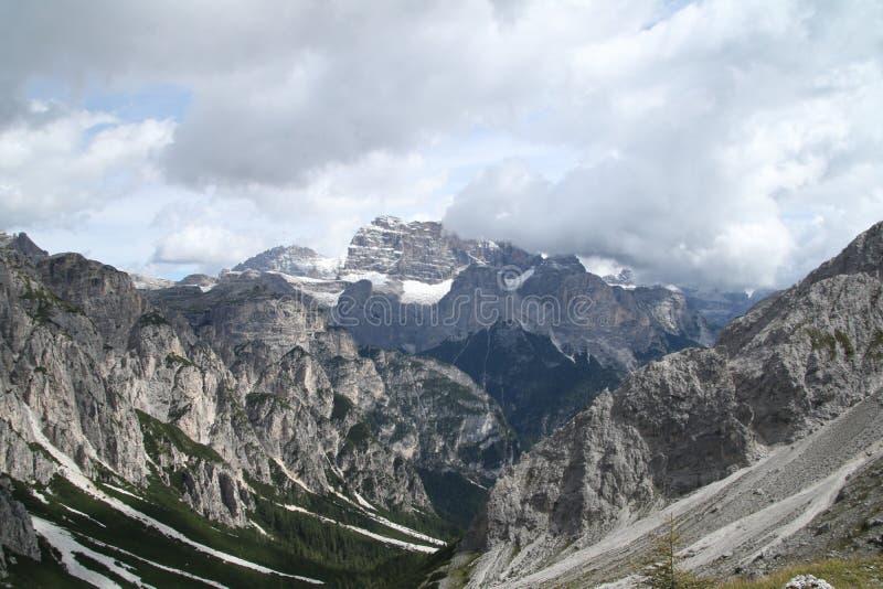 Krajobraz z górą, Włochy obraz royalty free