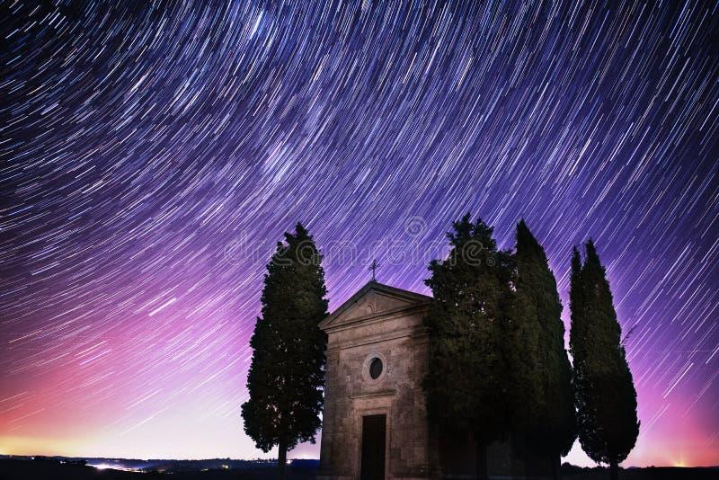 Krajobraz z gwiazdowymi śladami fotografia royalty free