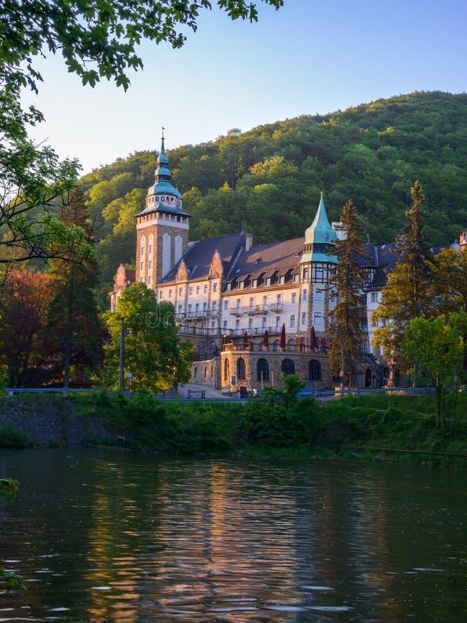 Krajobraz z Lillafured pałac zdjęcie stock