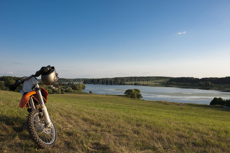 Krajobraz z motocyklem obraz royalty free