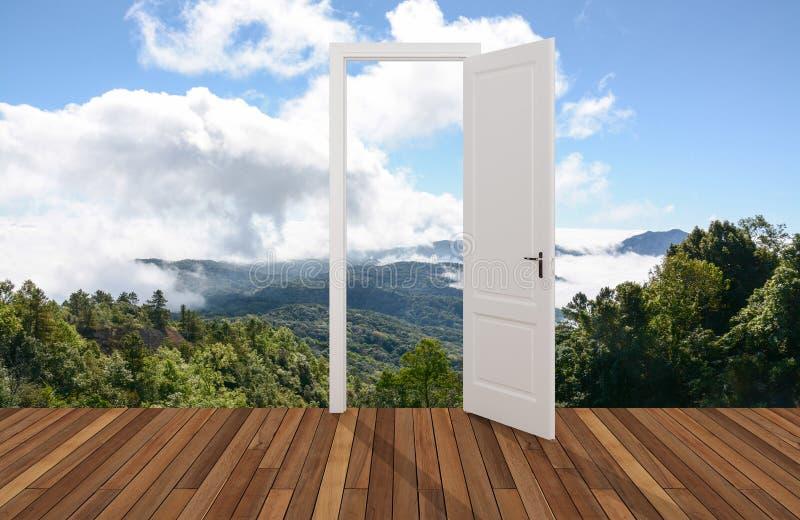 Krajobraz za otwarcia drzwi zdjęcie stock