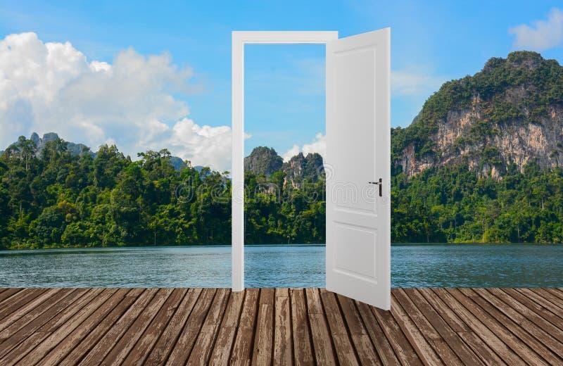 Krajobraz za otwarcia drzwi, 3D ilustracja wektor