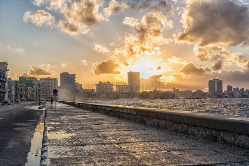 Krajobraz zachodu słońca Malecon La Habana na Kubie fotografia royalty free