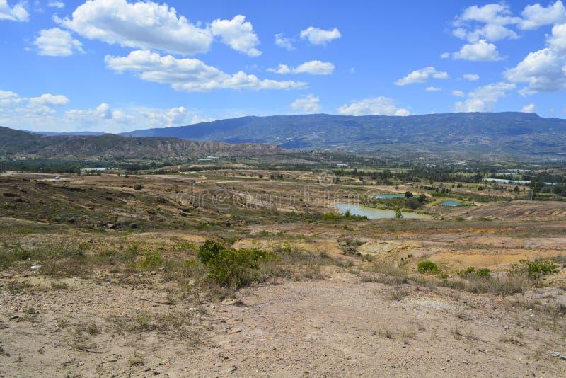 Krajobrazowa Błękitna jezioro pustynia w Boyaca Kolumbia zdjęcia royalty free