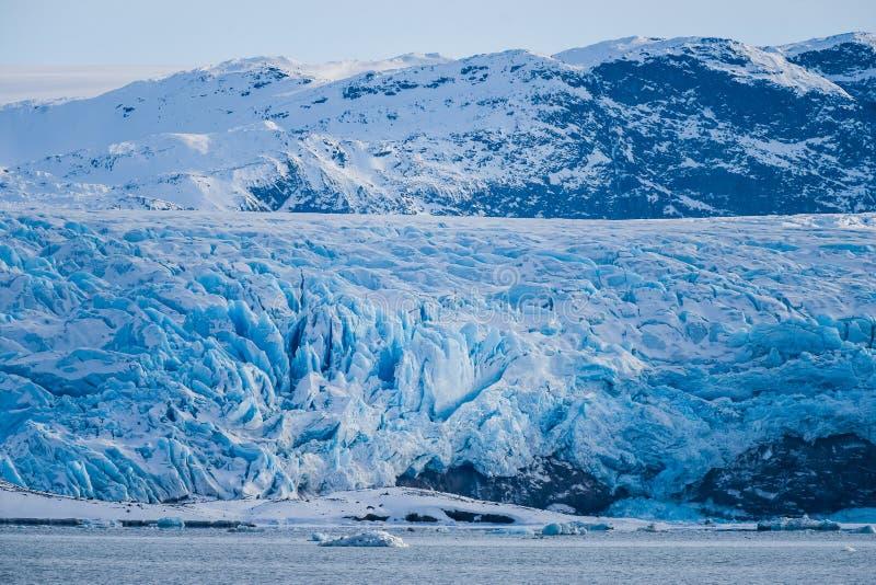 Krajobrazowa lodowa natura lodowiec góry Spitsbergen Longyearbyen Svalbard arktycznego oceanu zimy dnia zmierzchu biegunowy niebo zdjęcia royalty free