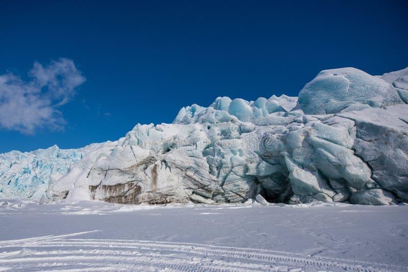 Krajobrazowa natura lodowiec góra Spitsbergen Longyearbyen Svalbard arktycznej zimy światła słonecznego biegunowy dzień obraz royalty free