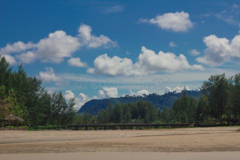 Krajobrazowy chmurny i zdjęcia stock