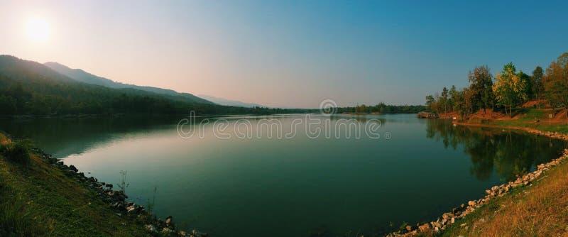 Krajobrazowy jezioro zdjęcie stock