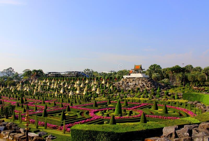 Krajobrazowy tropikalny park Nong Nooch w Pattaya, Tajlandia obraz royalty free
