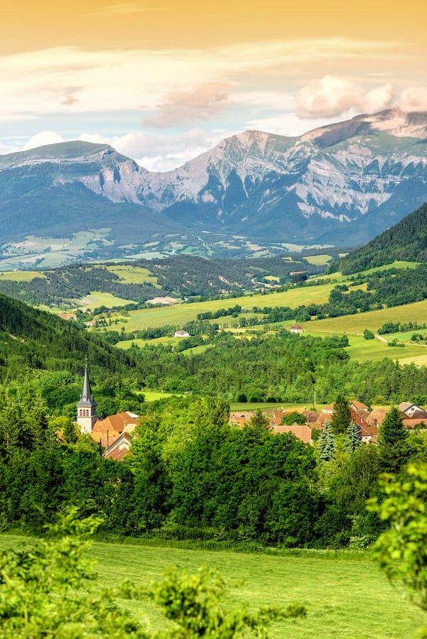 Krajobrazowy widok na wiosce w Francja fotografia stock