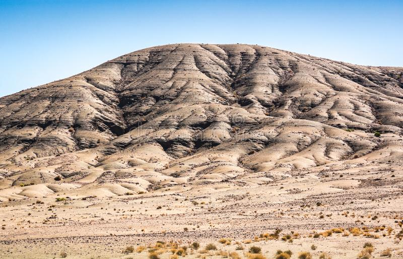 Krajobrazowy widok w pustyni z górami w Maroko zdjęcie royalty free