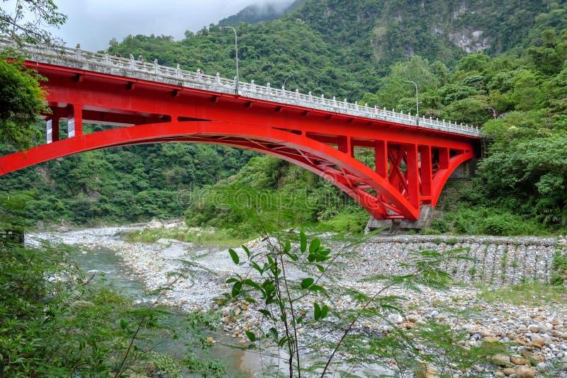 Krajobrazowy widok w Taroko czerwieni mo?cie, Taroko park narodowy, Hualien, Tajwan zdjęcia stock