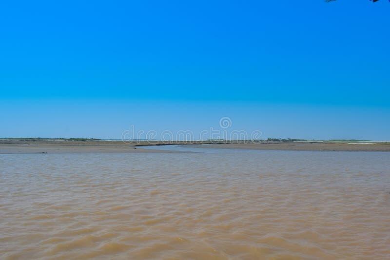 Krajobrazowy wizerunek dziejowy rzeczny Indus w zimie obrazy stock