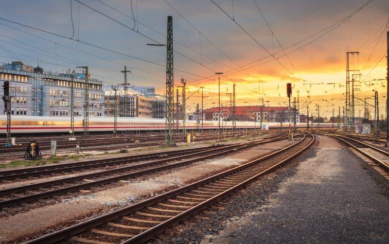 krajobrazu przemysłowego Stacja kolejowa w Nuremberg, Niemcy Raja zdjęcie royalty free