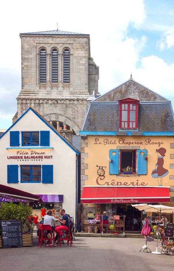 Download Krajobrazy I Architektury Brittany Obraz Stock Editorial - Obraz złożonej z brittany, ludzie: 106907784