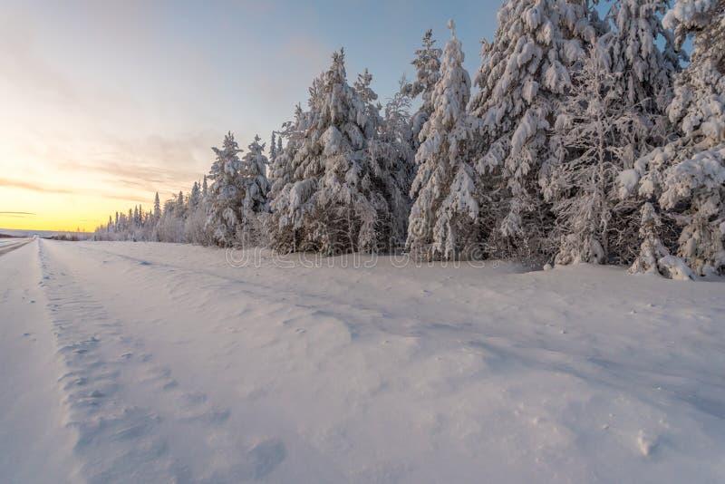 Krajobrazy w Lapland blisko Sirkka, Finlandia obraz stock