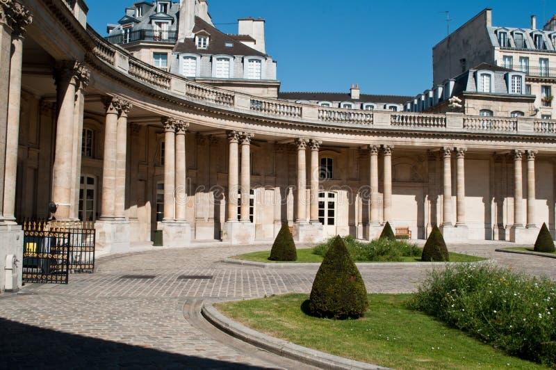 Krajowi archiwa uprawiają ogródek w Marais okręgu w Paryż, obrazy stock