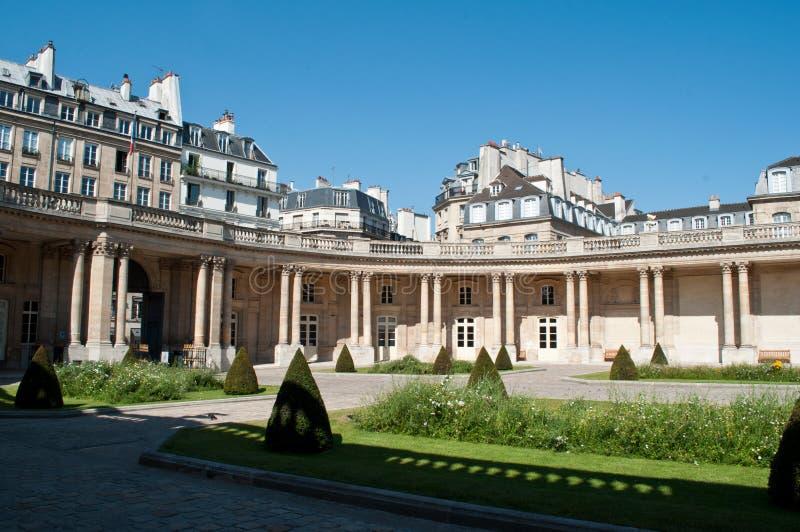 Krajowi archiwa uprawiają ogródek w Marais okręgu w Paryż, zdjęcie stock